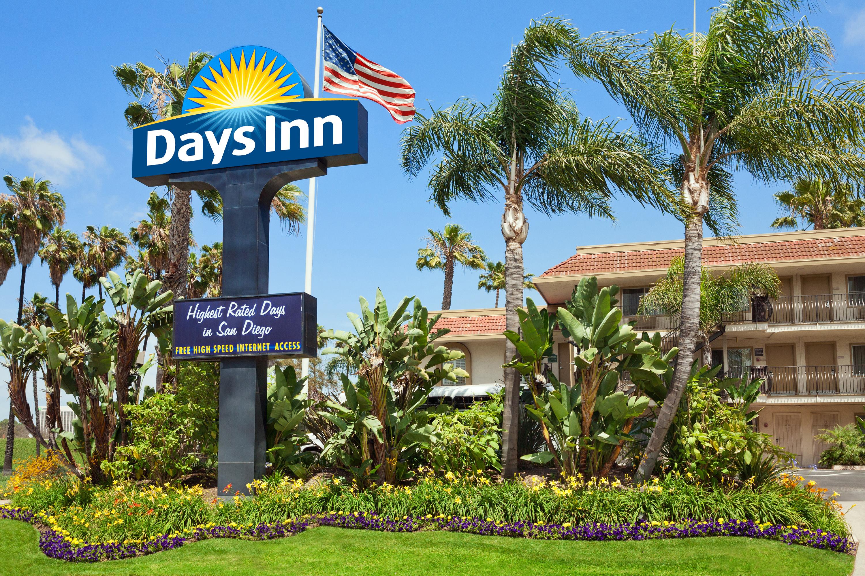 Hotels In San Diego >> Mission Valley San Diego Hotel Days Inn San Diego Hotel Circle